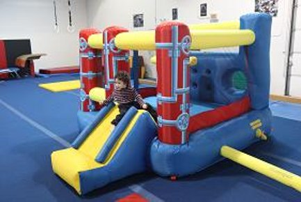Bouncing castle, full image.